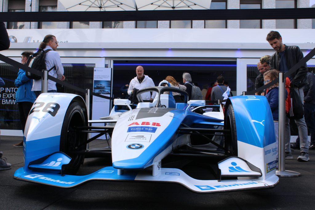La monoposto del team BMW, esposta presso gli stand dell'e-prix di Roma